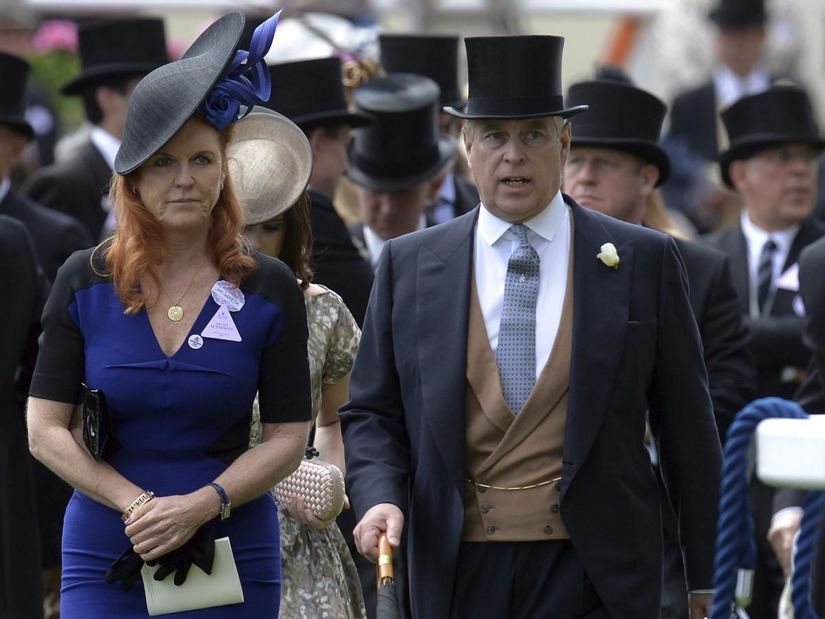 Demandan a los duques de York  por deber una lujosa residencia en Valais