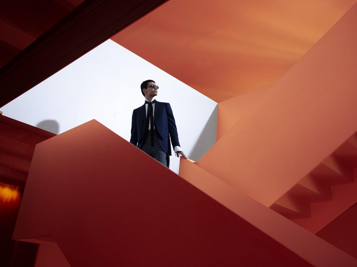 Oteyza presenta su más reciente colección entre chaquetas desestructuradas y pantalones fluidos
