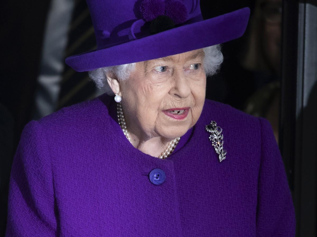 Así fue la primera videollamada pública de la reina Elizabeth II