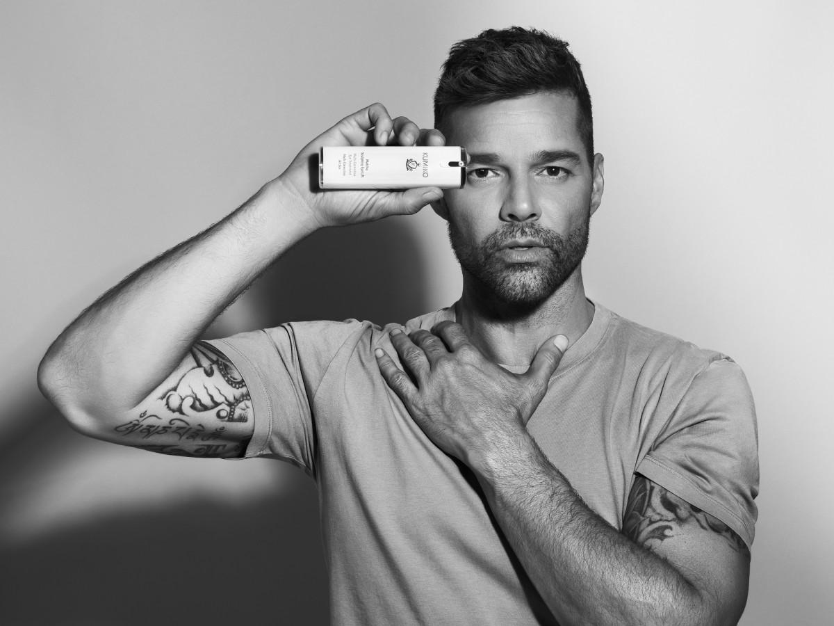 Ricky Martin se asocia con la compañía Kumiko Skincare