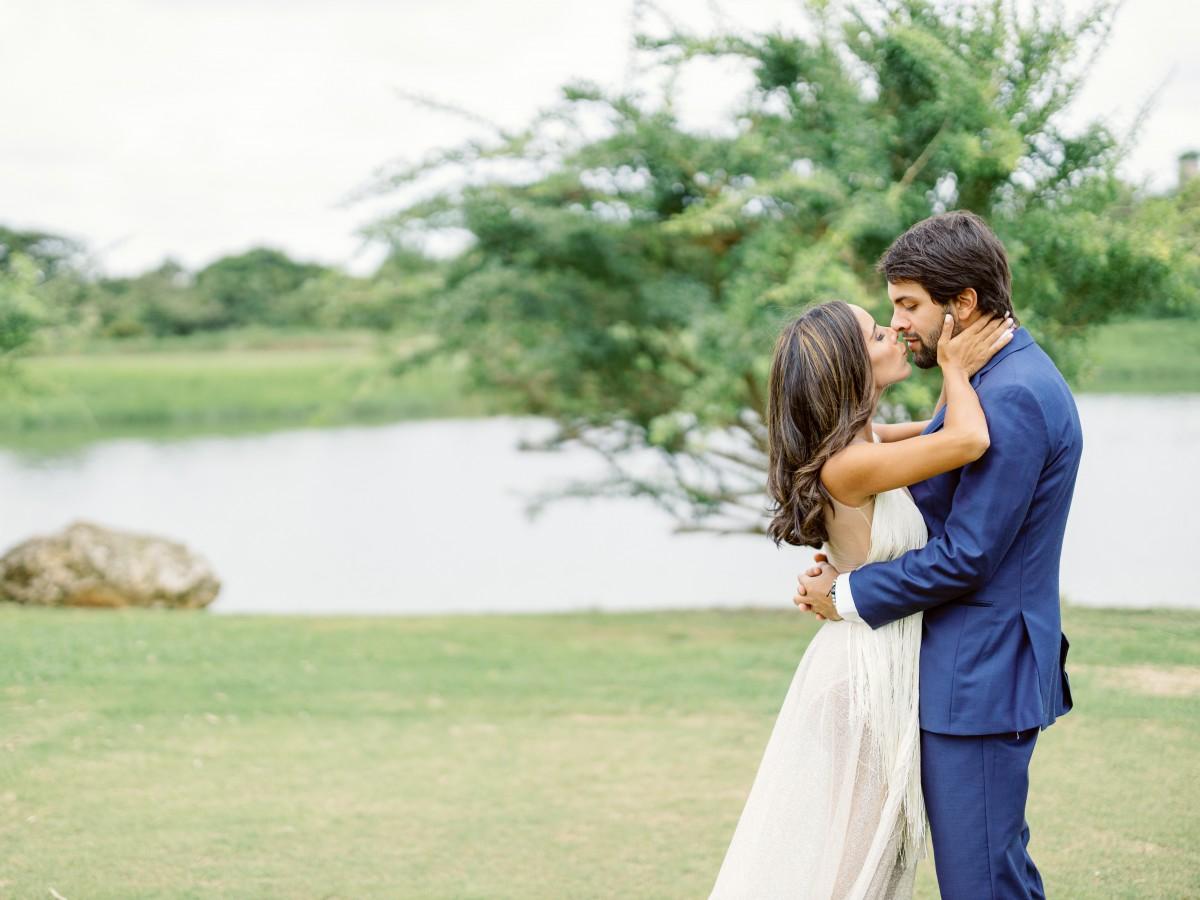 Una pareja decide contraer matrimonio a pesar de las restricciones por el coronavirus