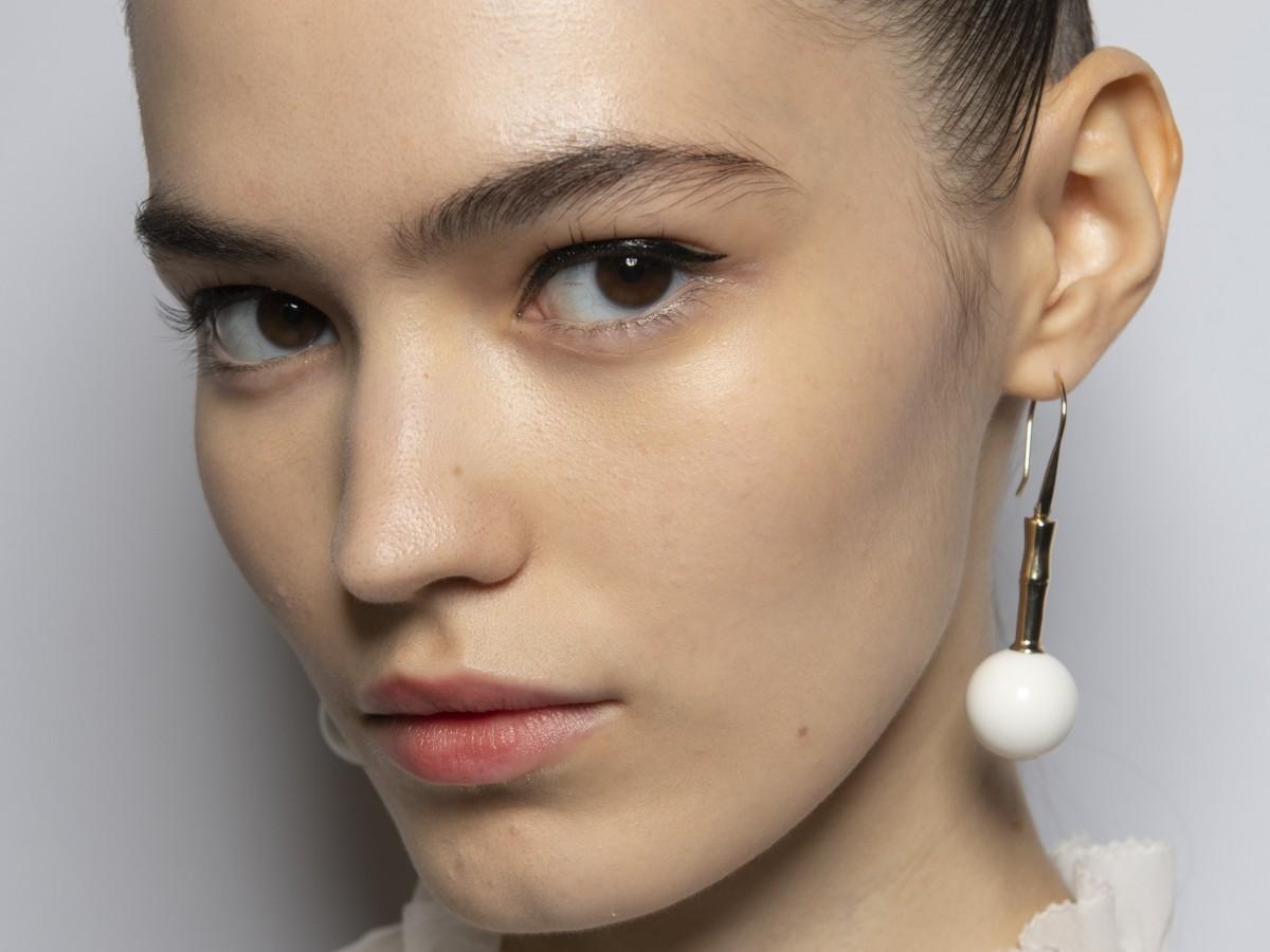 Ideas de maquillaje y peinado para lucir bien en las videollamadas