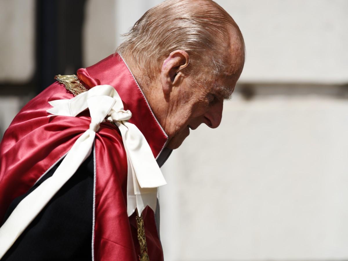 El duque de Edimburgo agradece al personal médico por la lucha contra el COVID-19