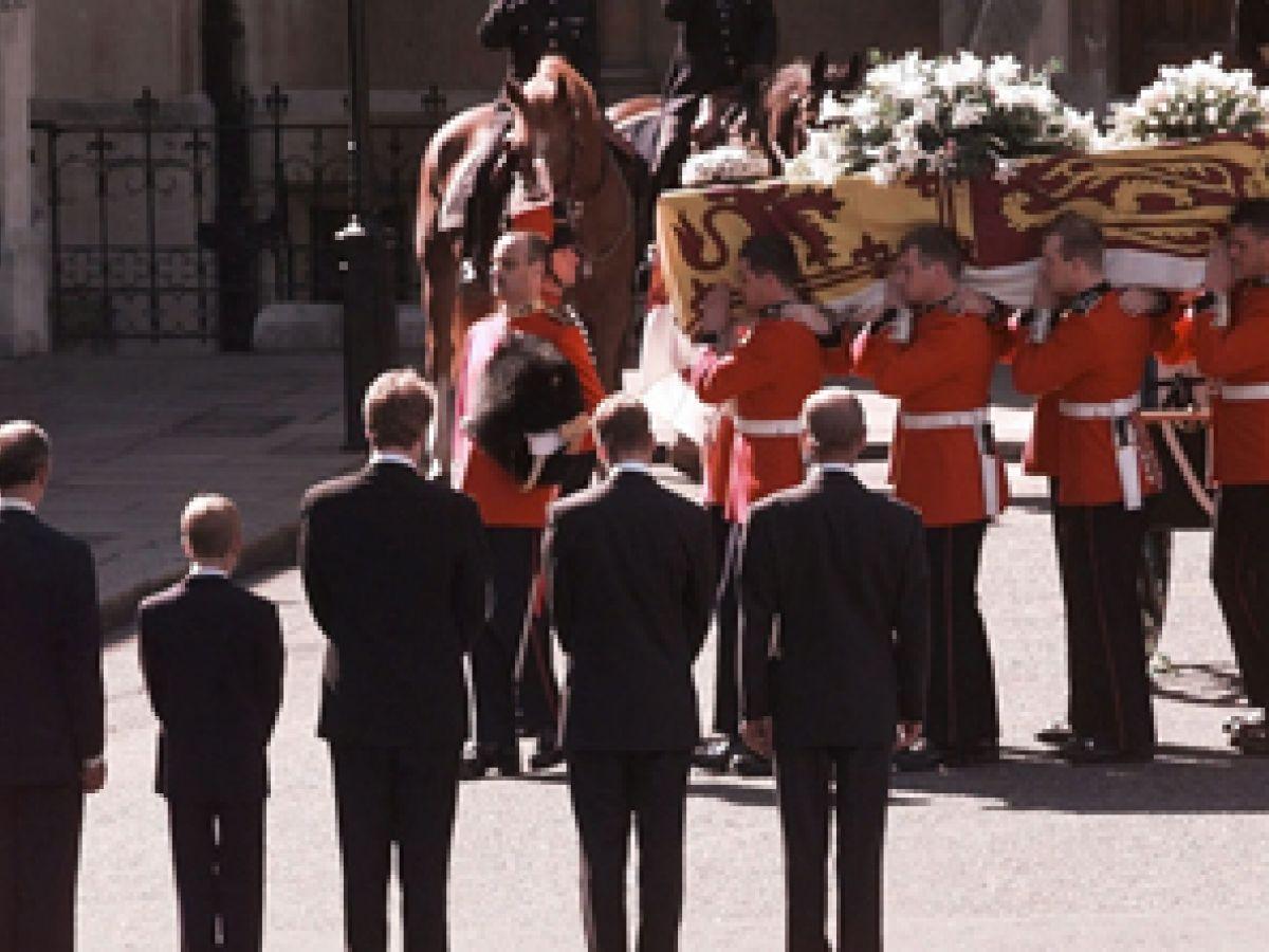 Revivimos el emotivo funeral de Diana