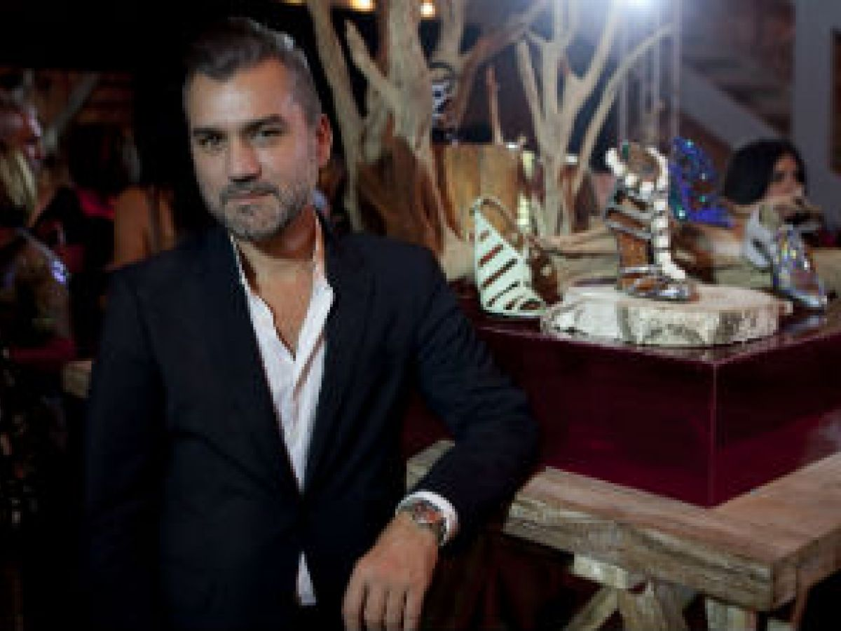 Nombran al puertorriqueño Edmundo Castillo como director creativo de la firma de calzado de lujo, Stuart Weitzman