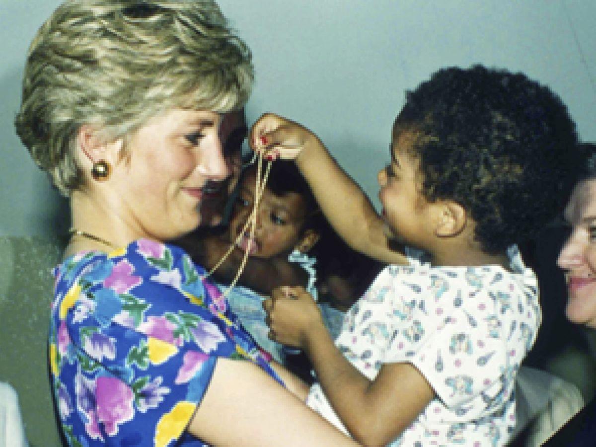 Diana y su don con la gente cambiaron la monarquía por siempre