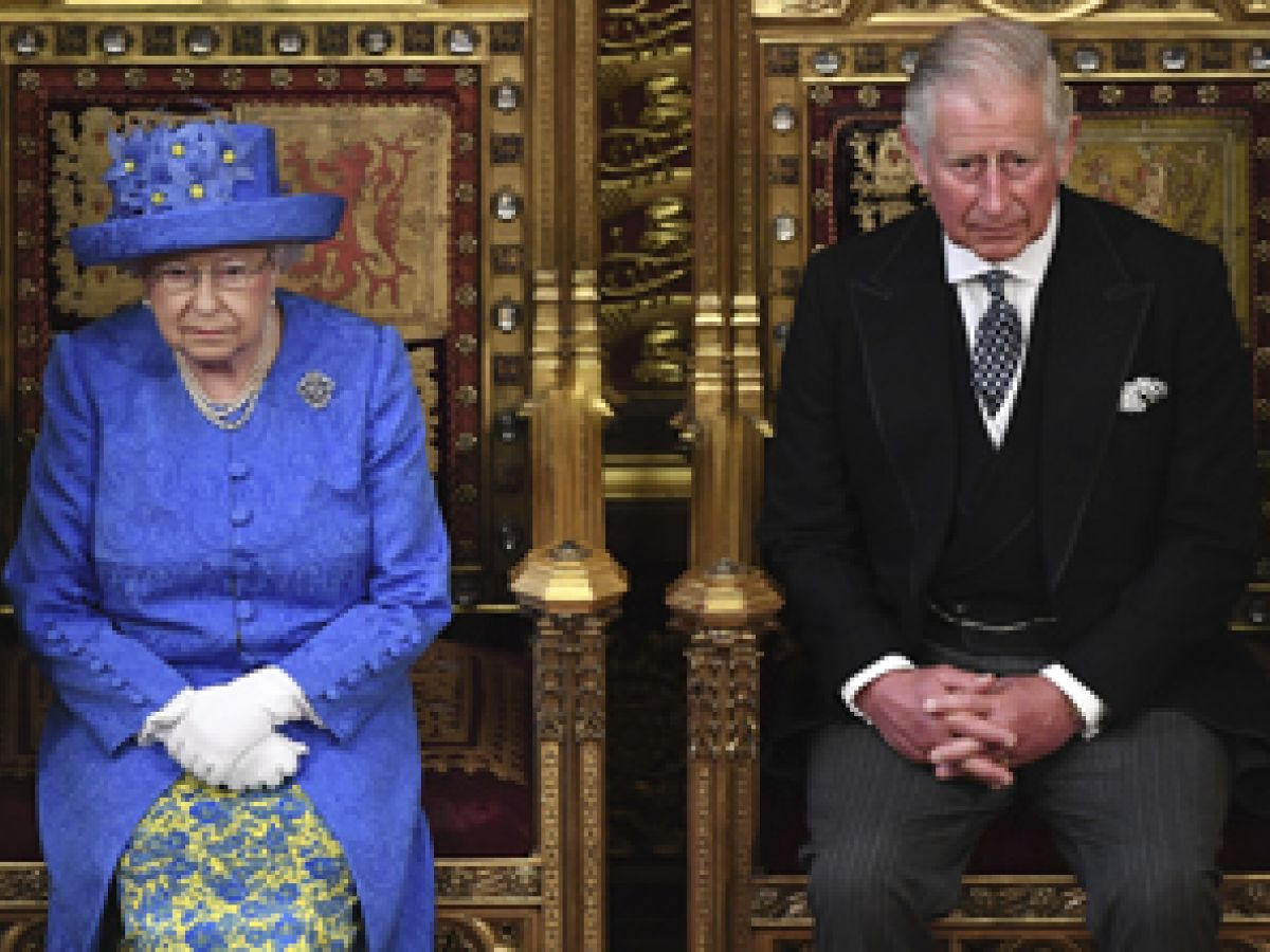 Isabel II presenta la agenda del gobierno ante el Parlamento