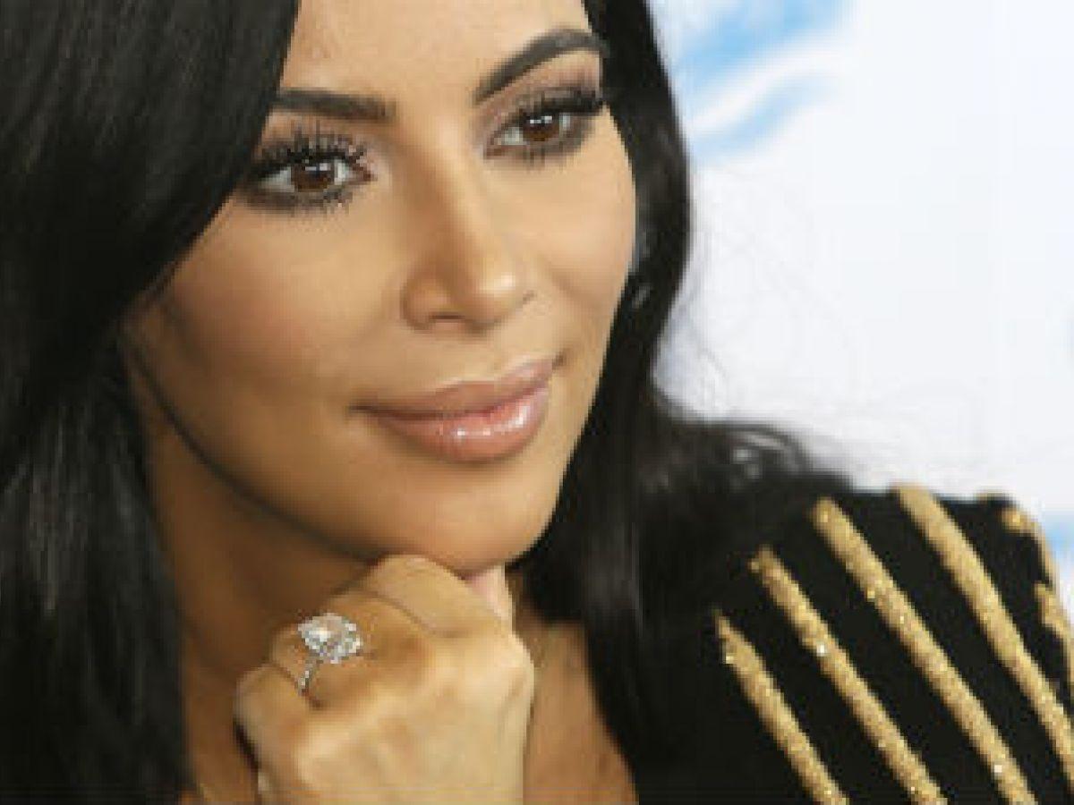 Los cosméticos económicos que utiliza Kim Kardashian