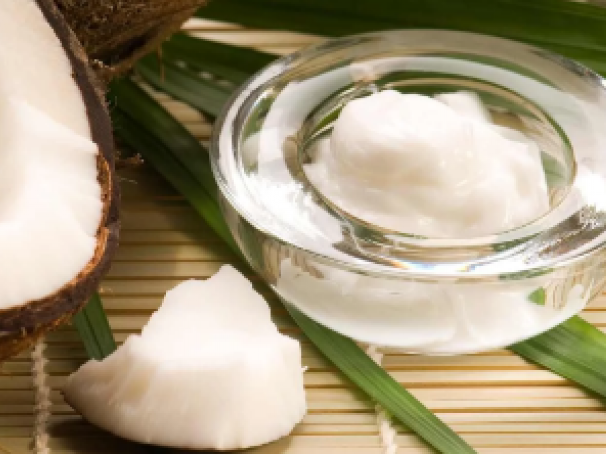 Así de beneficioso es el aceite de coco para la belleza