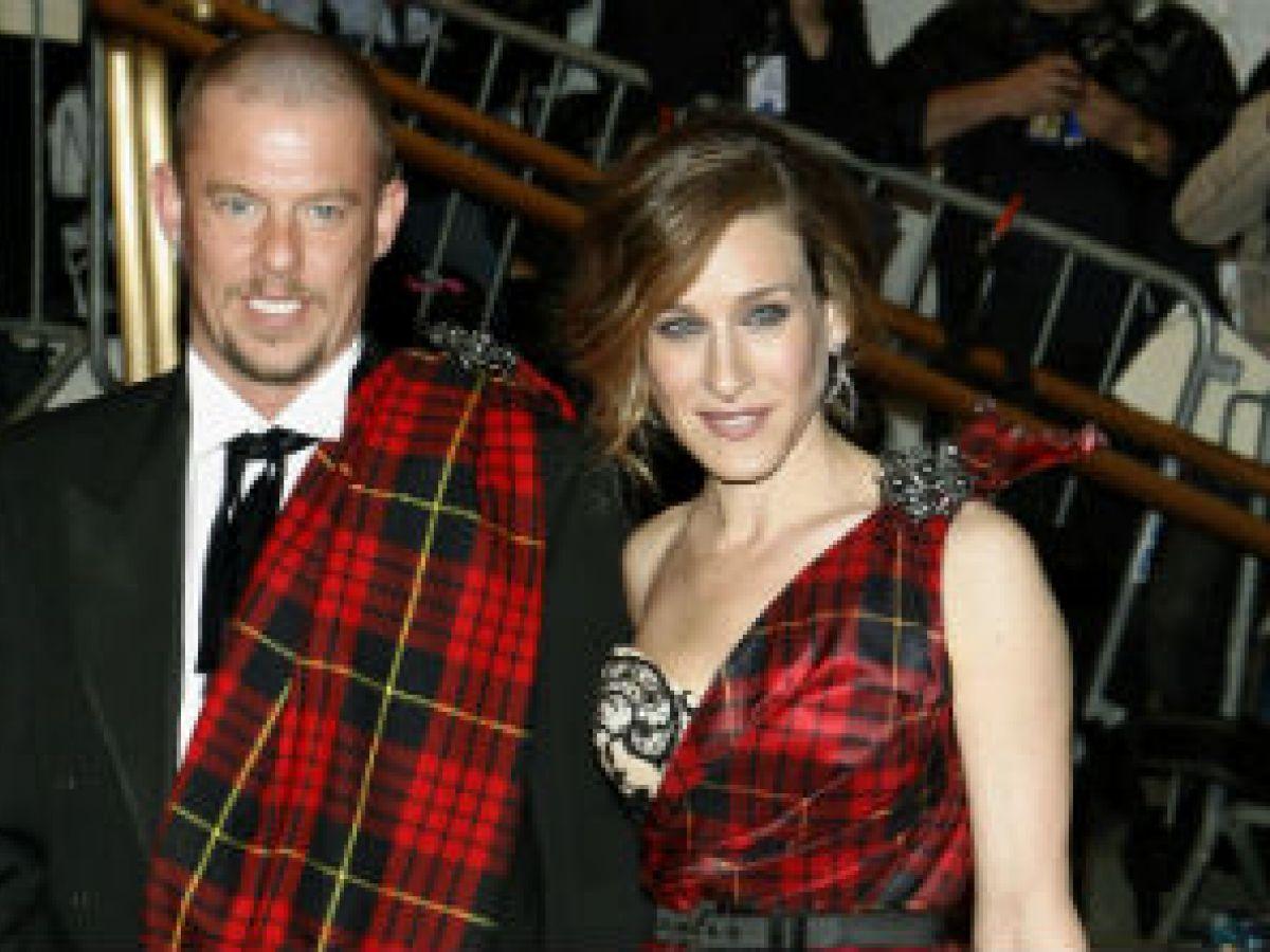 Lista la película sobre la vida de Alexander McQueen
