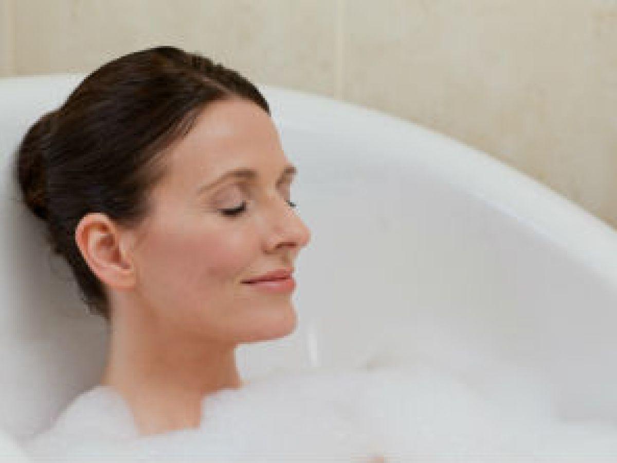 ¿Debes bañarte con agua fría o caliente?