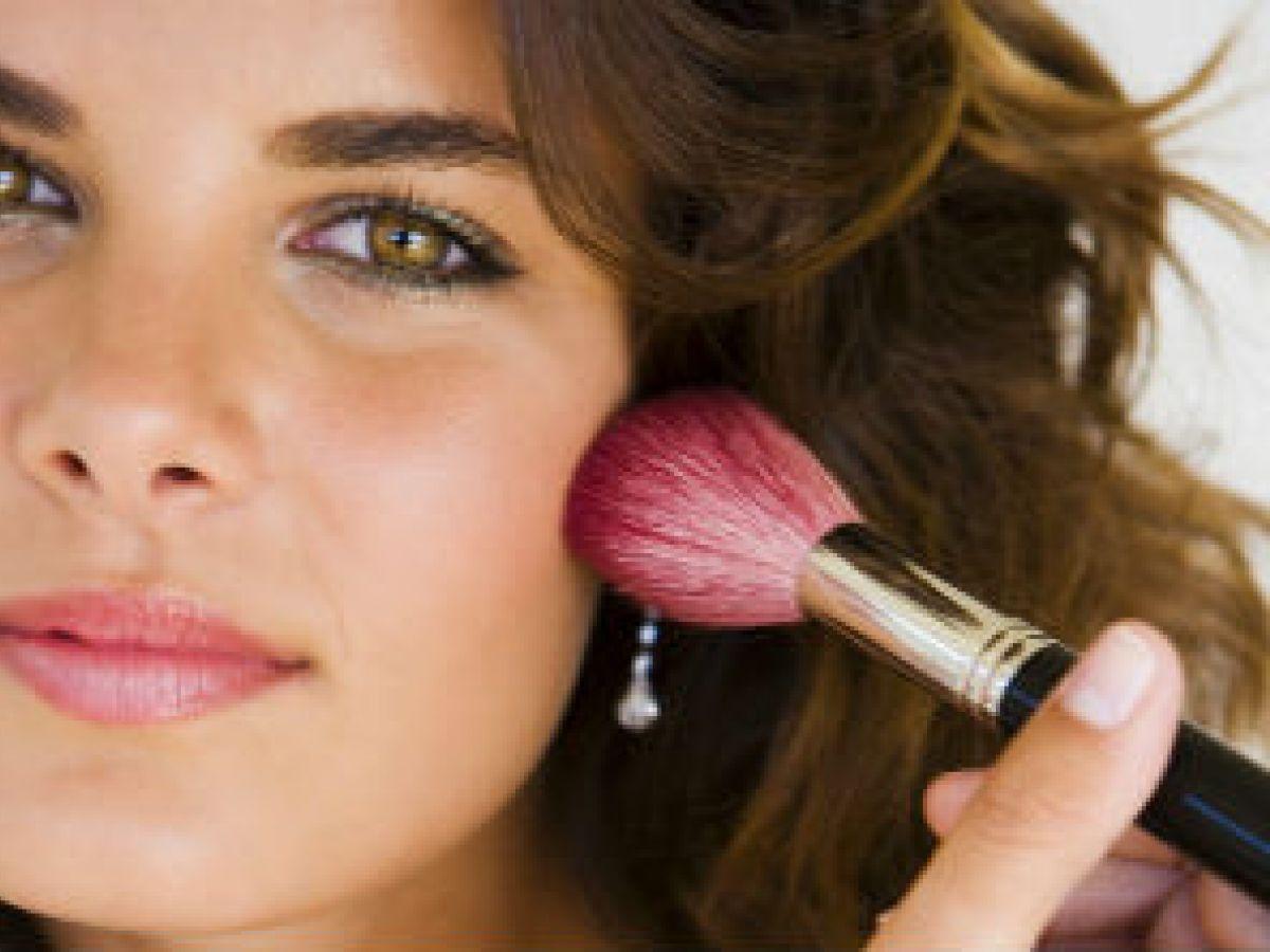 """Selecciona el """"blush"""" según tu color de piel"""