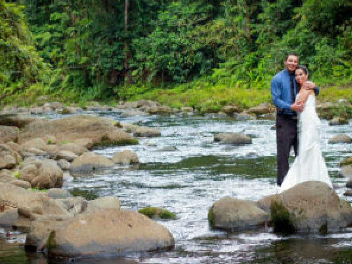 Cobran auge las bodas en medio del bosque tropical