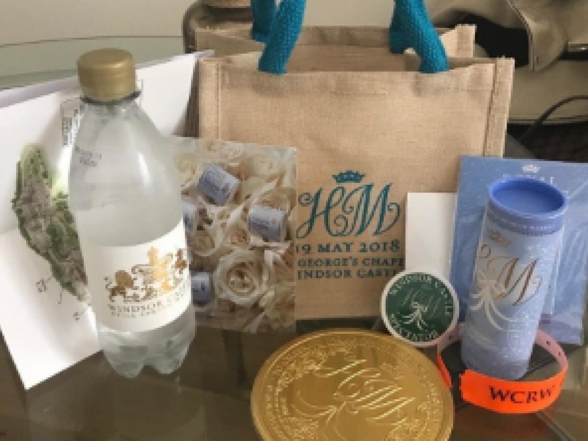 Subastan en eBay los regalos para los invitados a la boda real