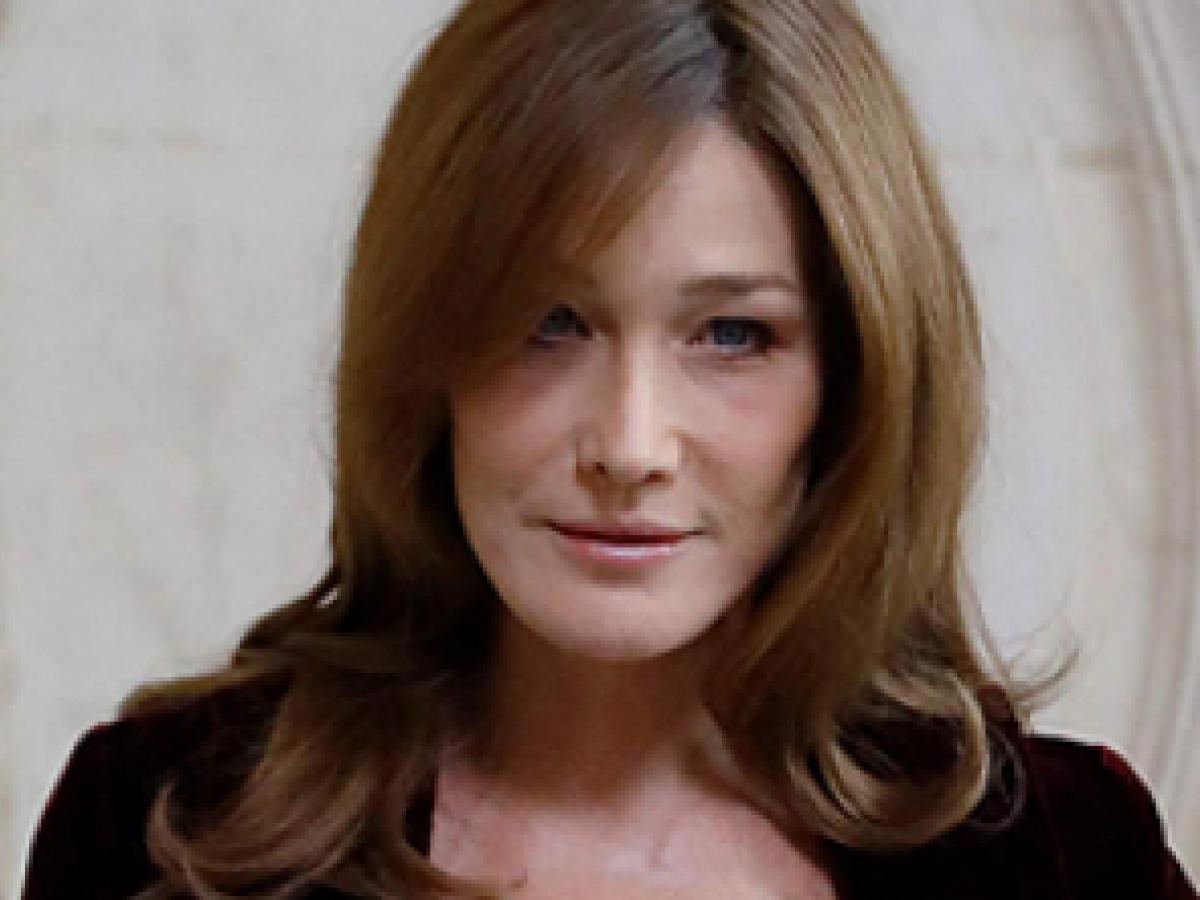 Carla Bruni comparte sus secretos para mantenerse bella a los 50 años