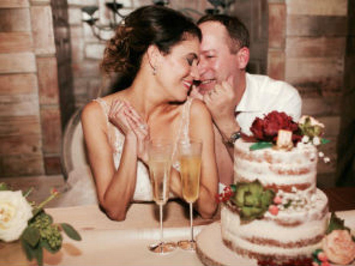 Pareja se casa en Puerto Rico después del paso de María