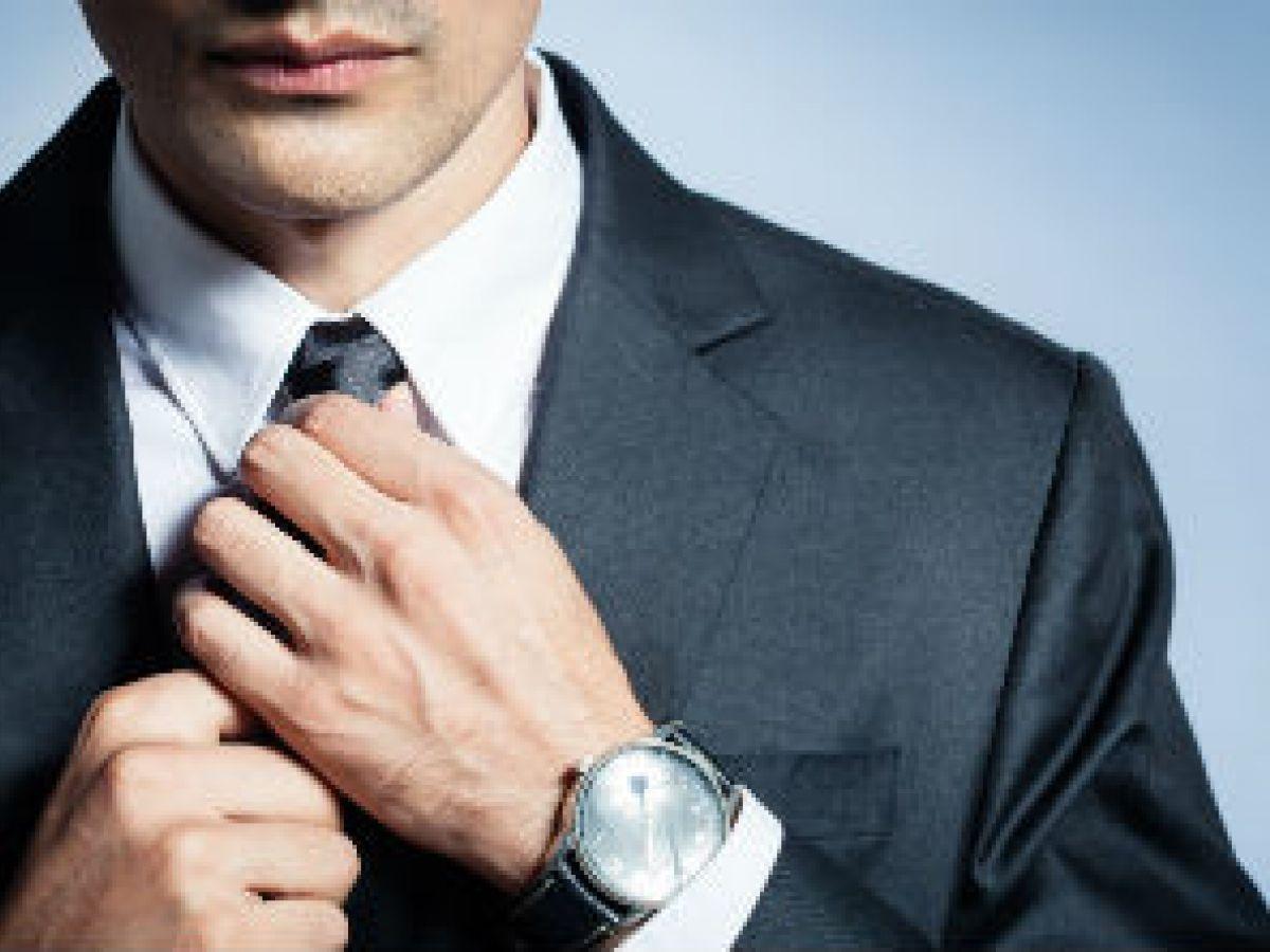 Utilizar corbata puede cortar la circulación de la sangre hacia el cerebro