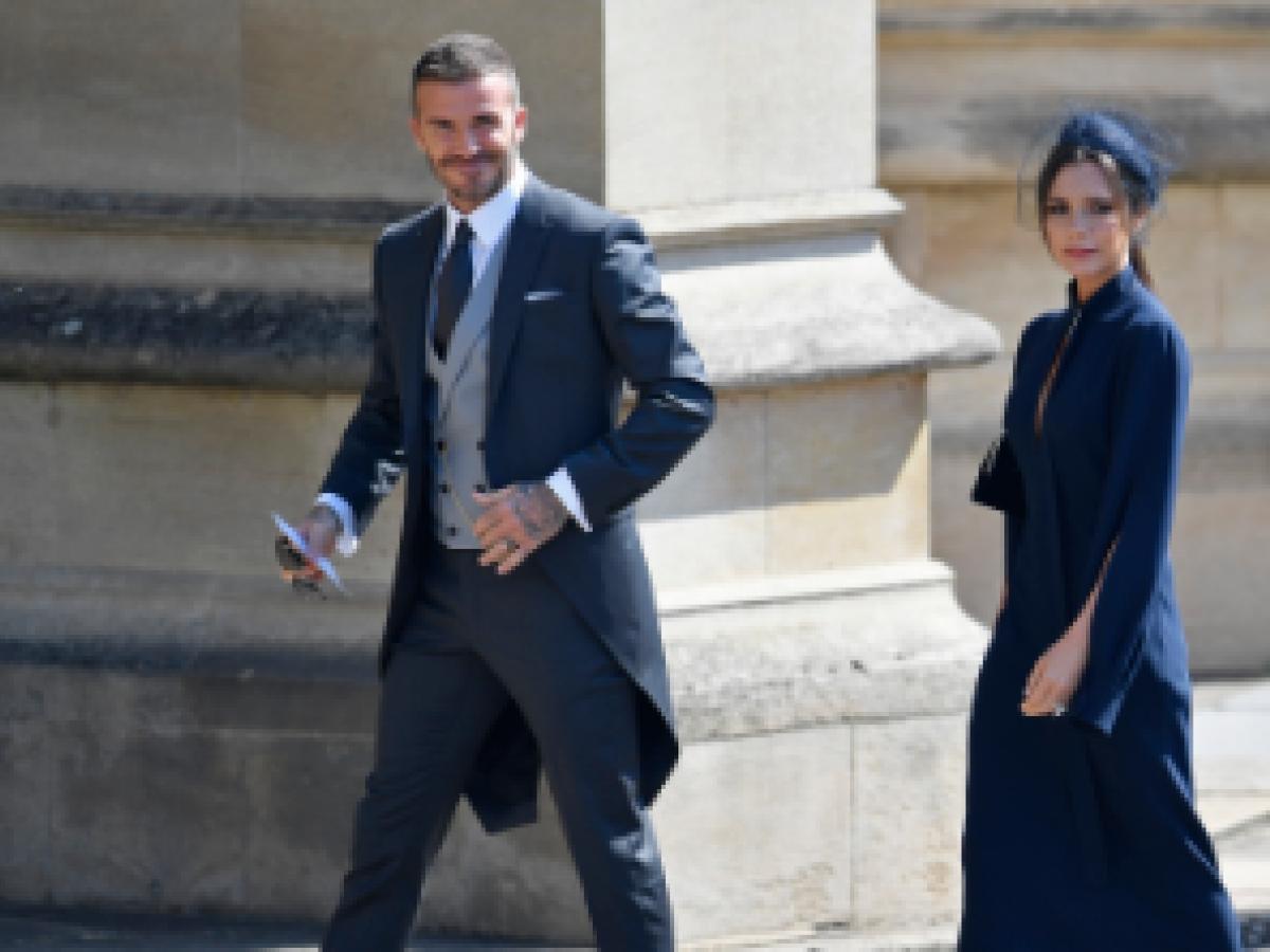 David y Victoria Beckham subastan ropa que usaron para la boda de Meghan y Harry