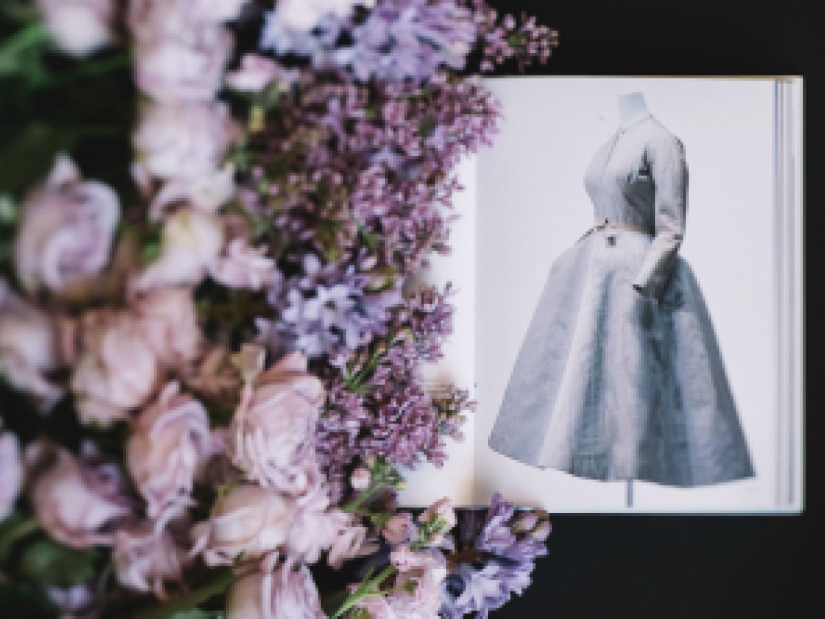 Inauguran exposición de Christian Dior en Londres