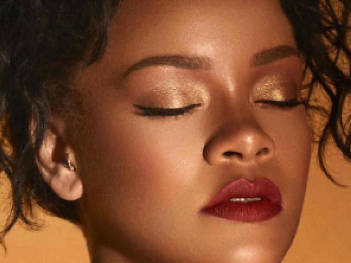 Rihanna lanza su segunda línea de maquillaje