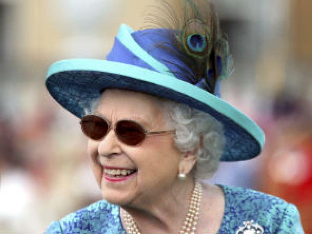 Operan con éxito a la reina Elizabeth II