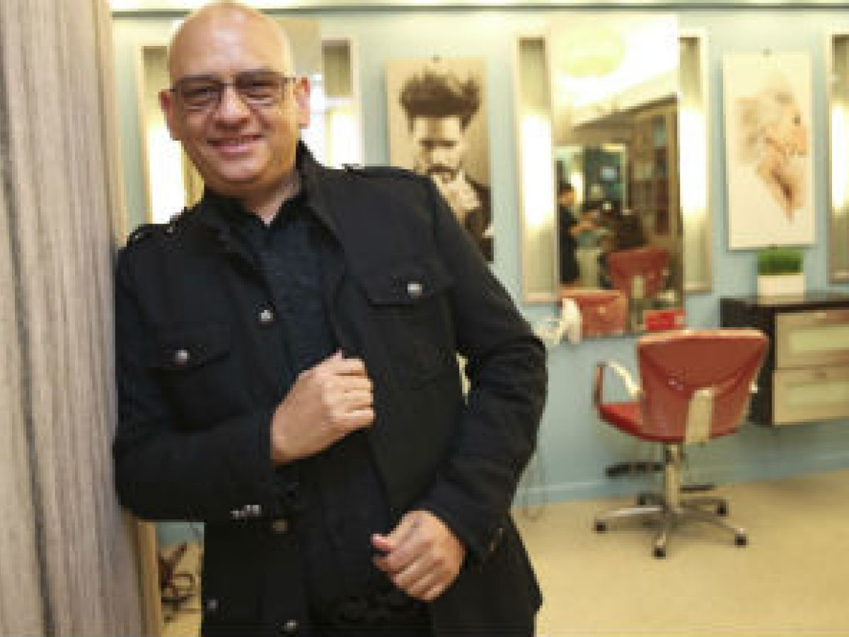Un peluquero puertorriqueño se une al equipo de Cirque du Soleil
