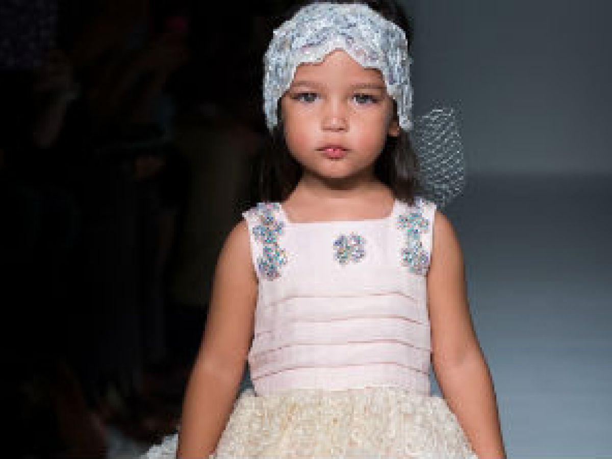 Se buscan modelos para desfile de niñas