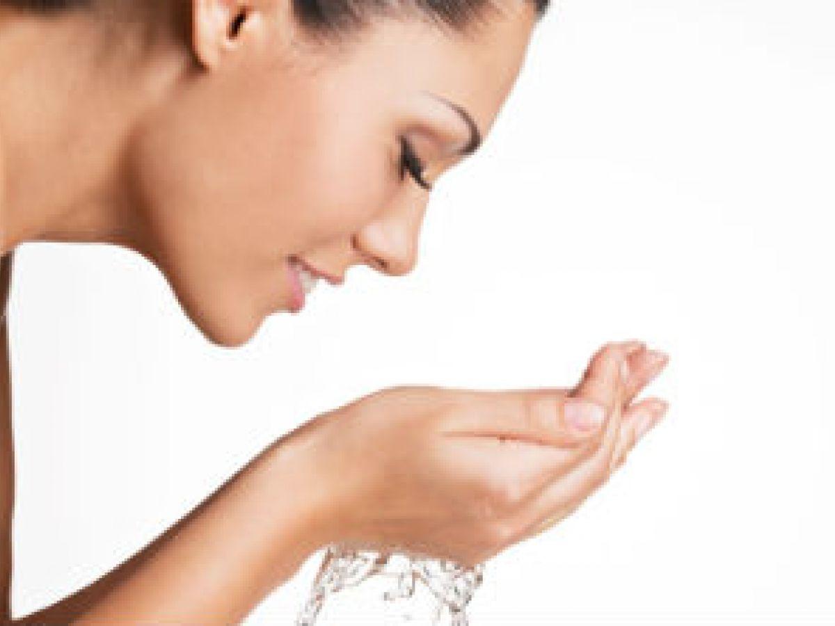 Evalúa tu rutina para limpiar el rostro