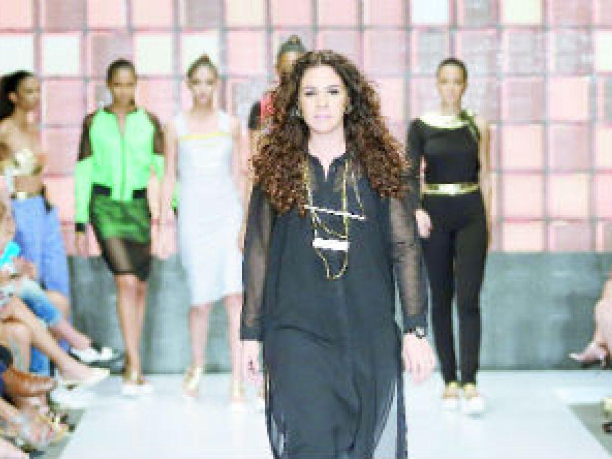 Miriam Budet hace historia en la moda local