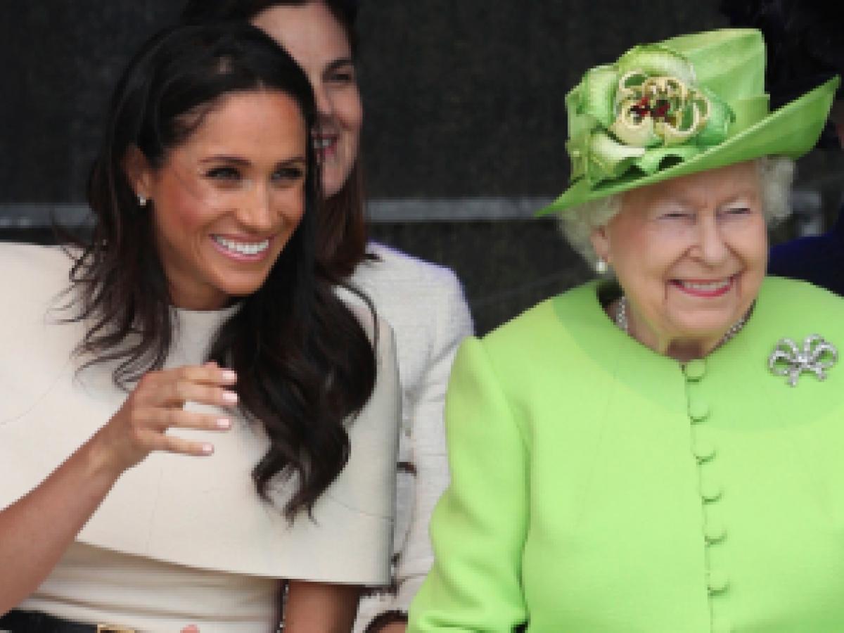Meghan acompaña por primera vez a la reina Elizabeth II en una visita oficial