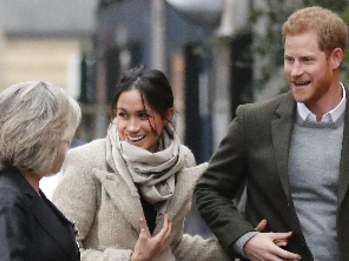 Harry y Meghan visitan una emisora de radio en Londres