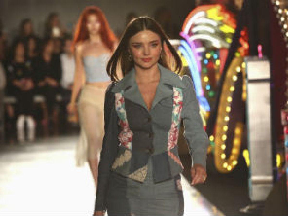 Moschino se inspira en los casinos de Las Vegas para su nuevo desfile
