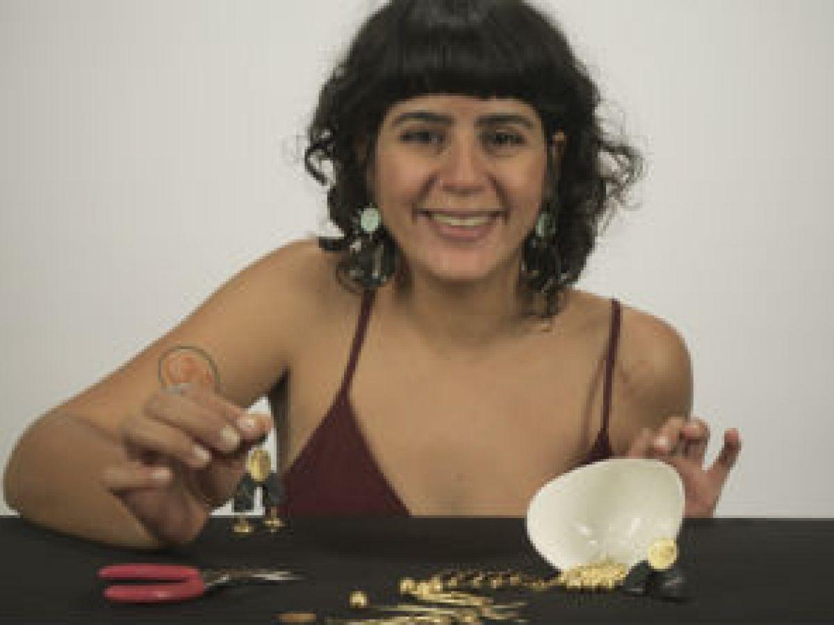 Nika, la diseñadora que destaca la belleza en las líneas desiguales