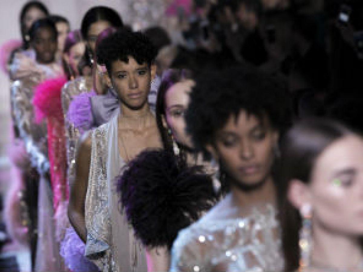 La alta costura parisina acapara las redes sociales