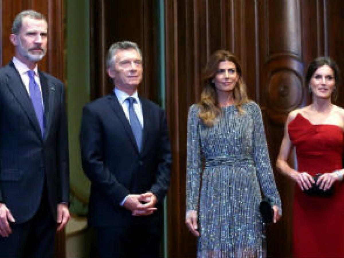 El rey Felipe VI recibe un reconocimiento en el segundo día de su visita en Argentina