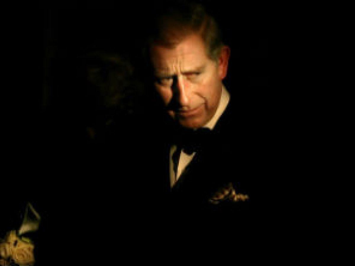 El príncipe Charles sucederá a su madre, la reina Elizabeth II