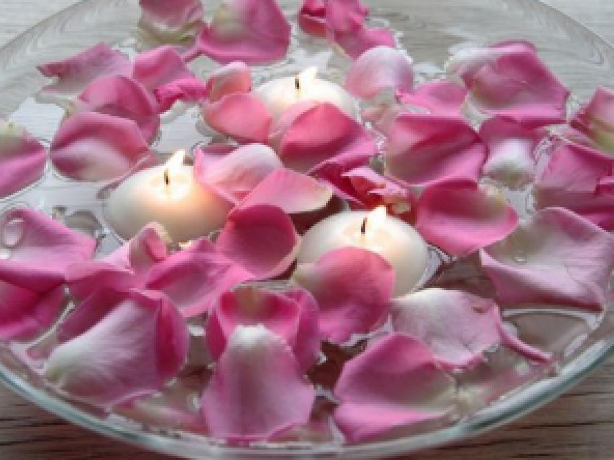 Lo que pueden hacer los pétalos de rosa por tu belleza