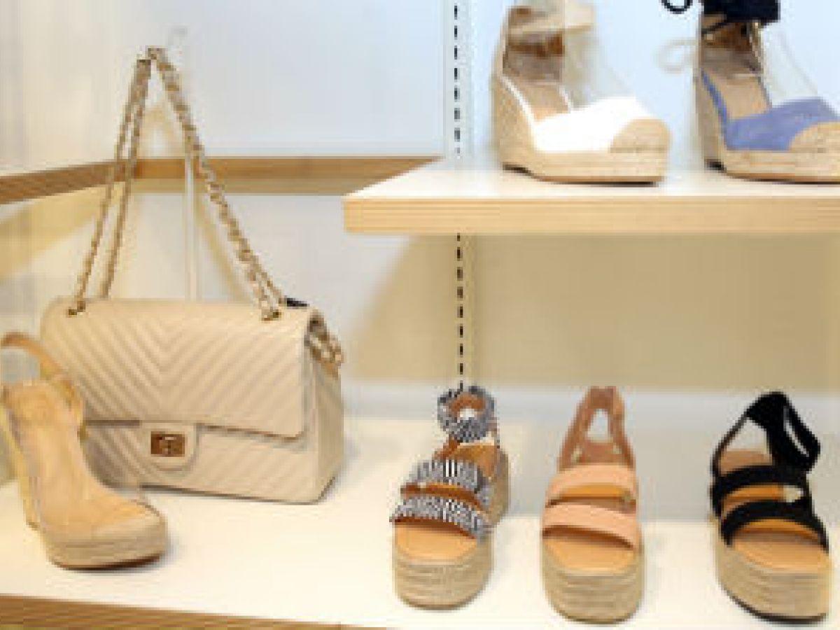Nueva tienda de calzado y accesorios