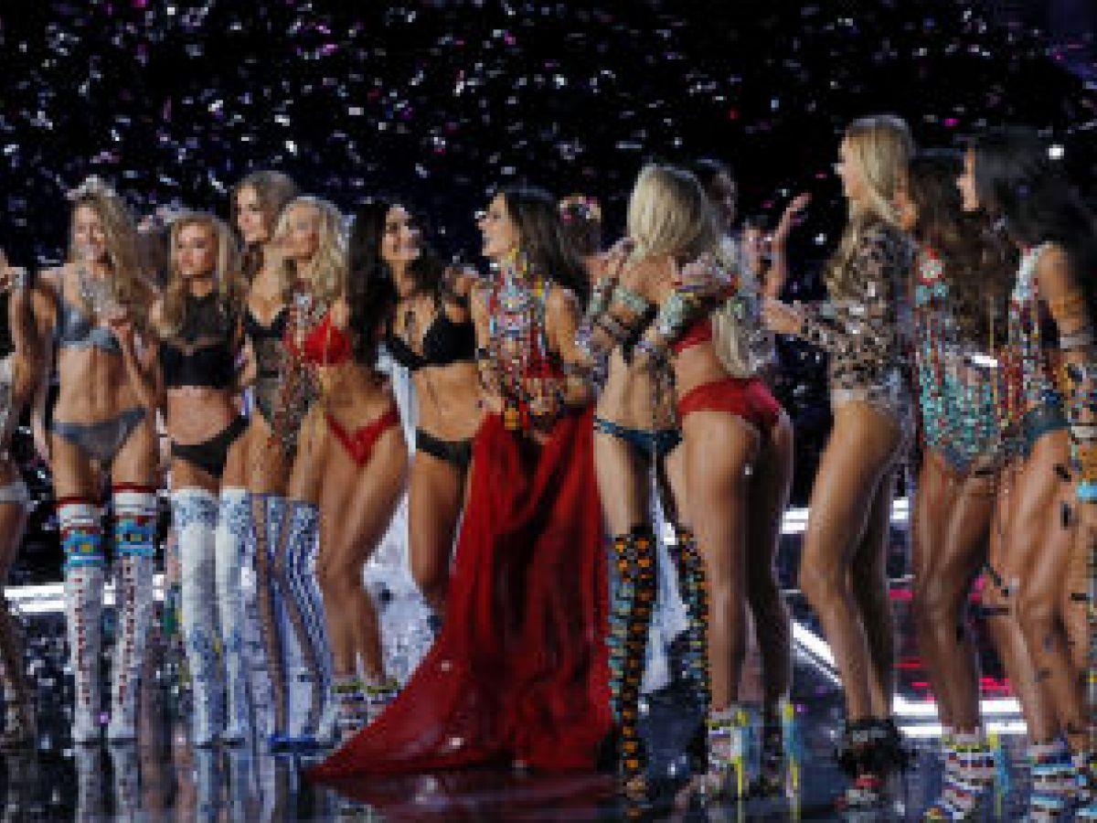 Un ángel caído en el desfile de Victoria's Secret