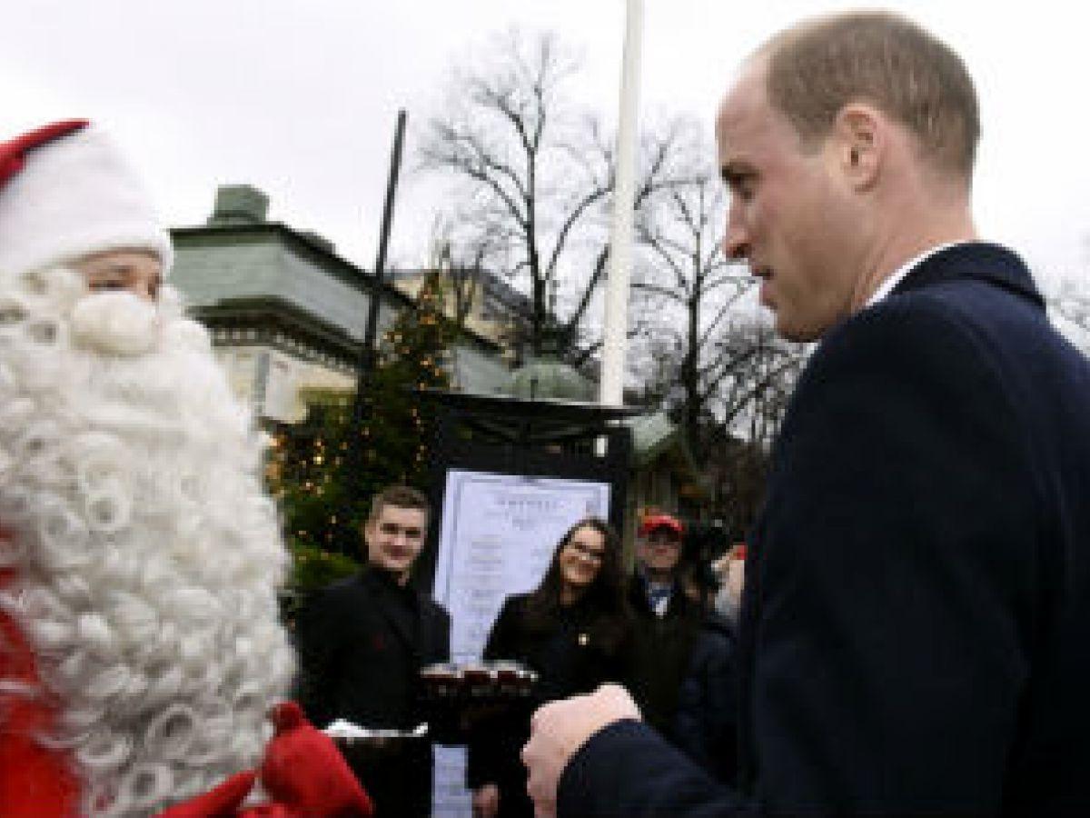 El príncipe George envía su carta a Santa Claus