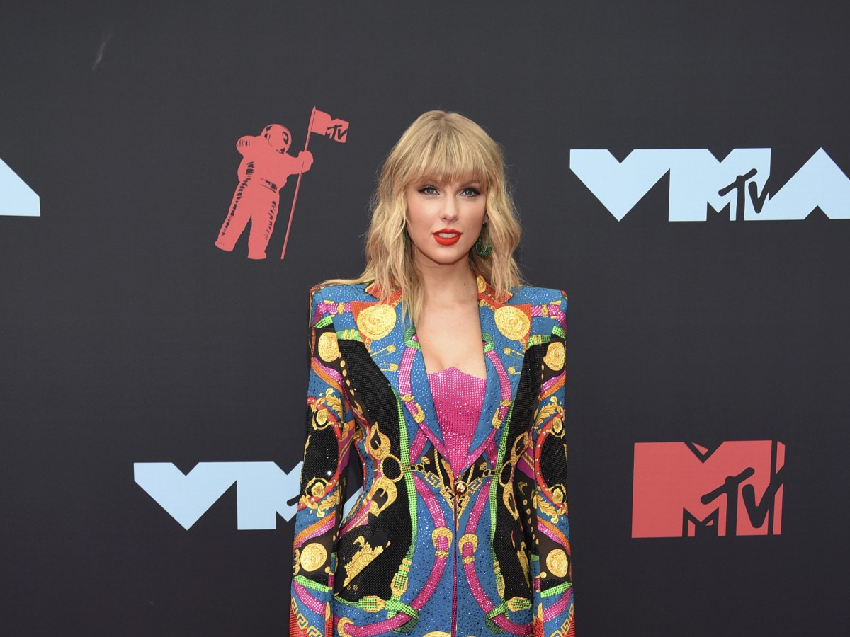Atrevida y llena de colores la alfombra roja de los  MTV Video Music Awards