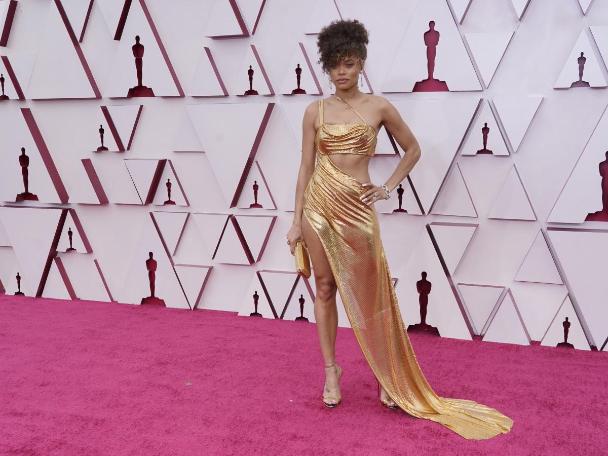 Regresa el glamur a la alfombra roja de los premios Oscar 2021