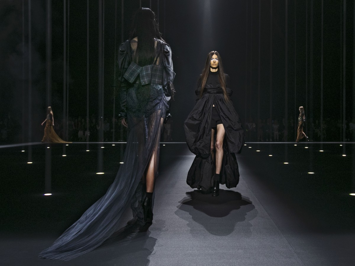 Entre celebridades y nuevas tendencias el desfile de Vera Wang