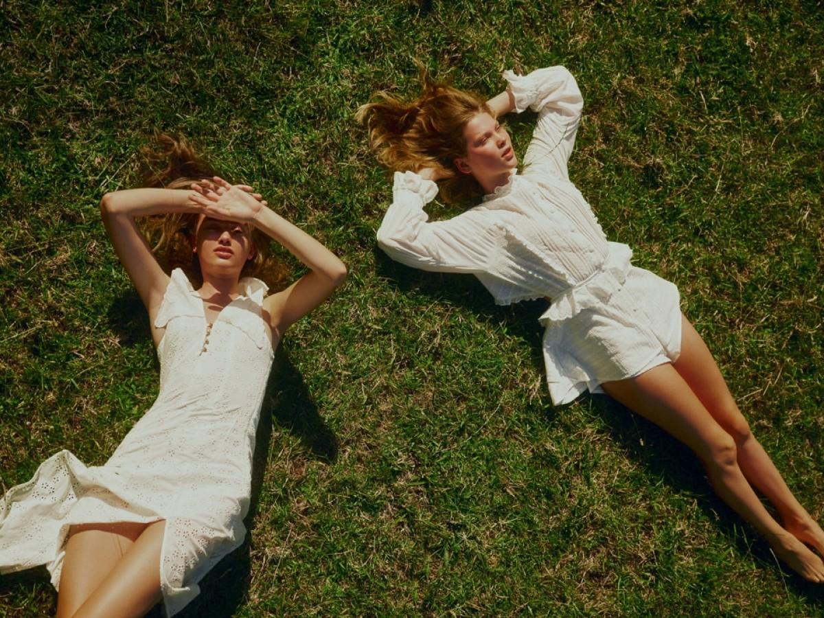 El vestido blanco de verano como prenda fundamental
