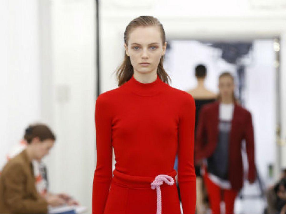 Victoria Beckham presenta su colección por primera vez en el London Fashion Week