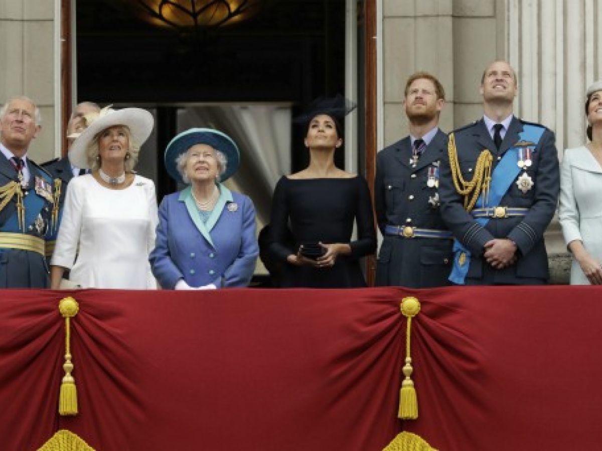 Familia Real Británica asiste a la celebración del centenario de la Real Fuerza Aérea