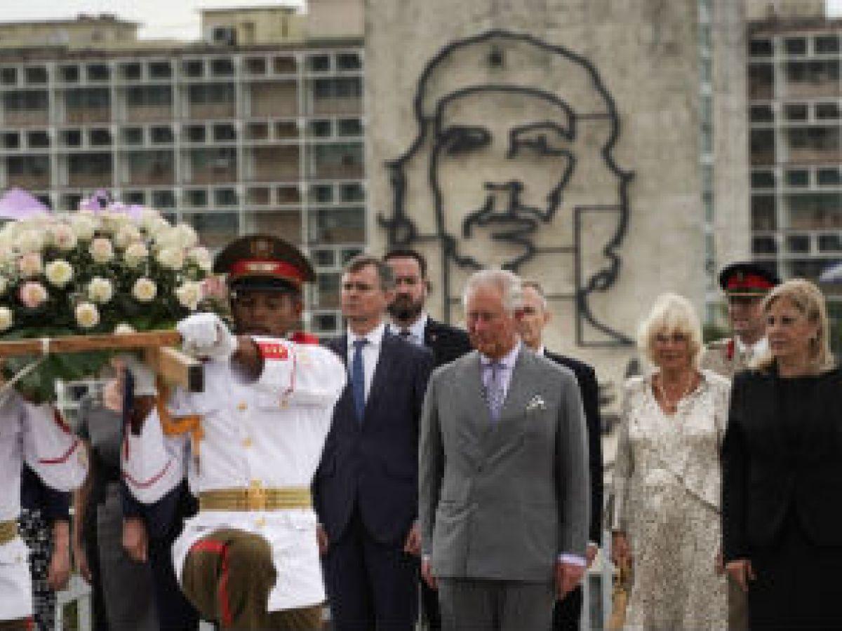El paseo por La Habana del príncipe Charles de Inglaterra y Camila