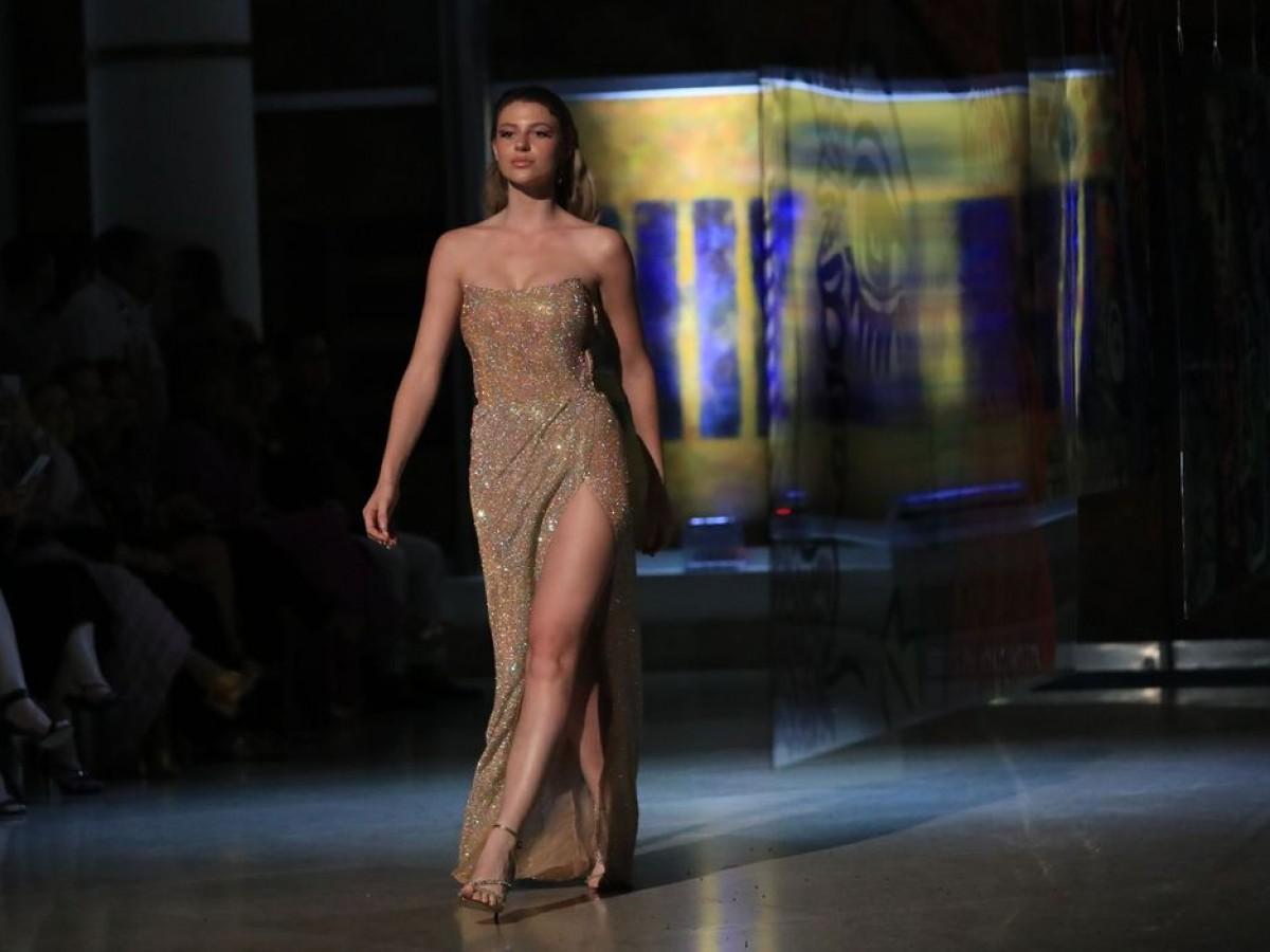 El dúo de diseñadoras de Eclíptica presenta una colección colorida y con suntuosas telas