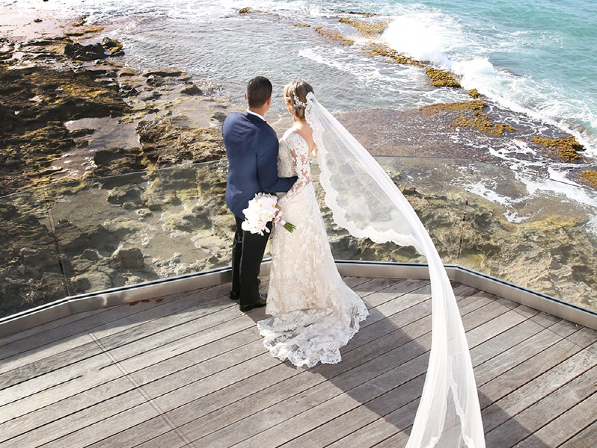 Entre orquídeas y encajes en la boda de Zuheila Odalys Espinosa y Edgardo José Adorno Fontanez