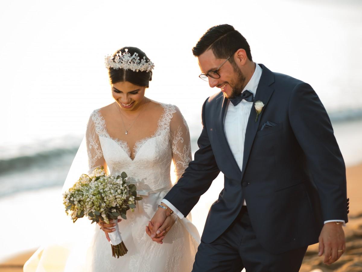 Nathalia Carolina Cancel Villamil  y Jesús Antonio Muñiz Medina se casan en Mayagüez